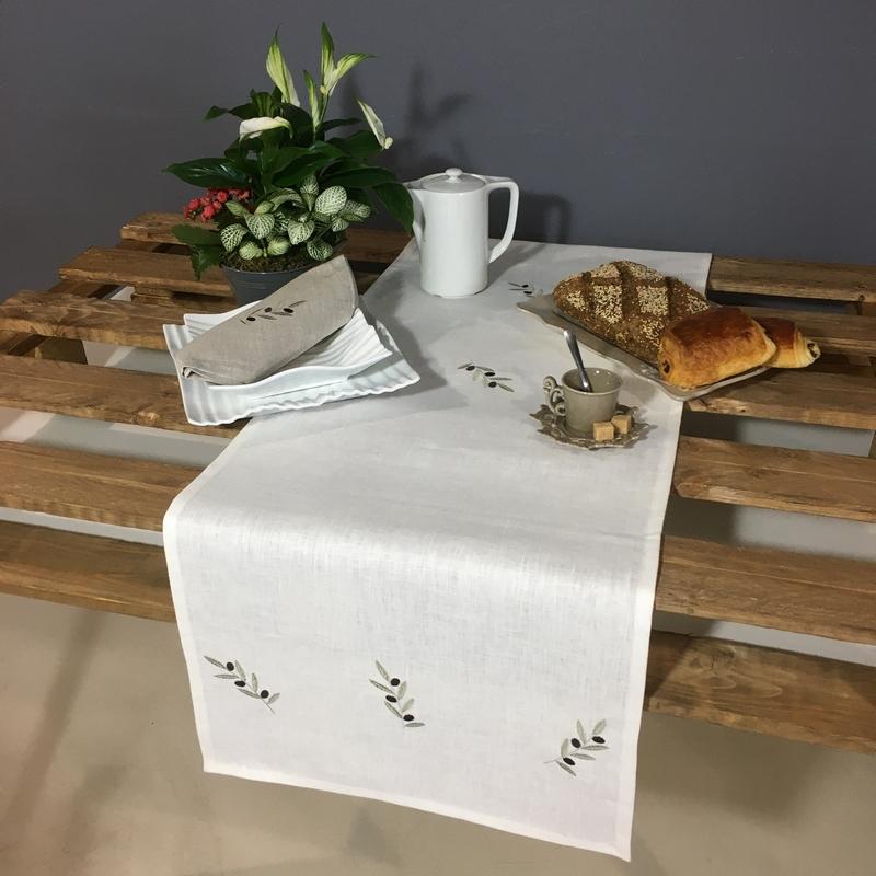 chemin de table lin blanc broderie olive vert