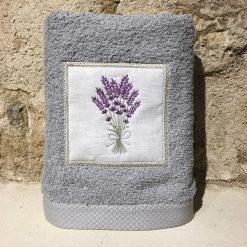 serviette 50x100 coton gris clair broderie bouquet lavande lilas