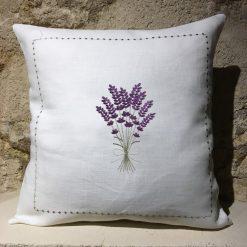 housse de coussin lin blanc broderie bouquet lavande lilas