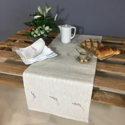 chemin de table lin chiné broderie brin lavande lilas