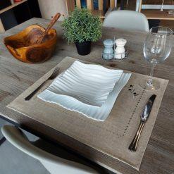 set de table lin enduit chiné broderie olive